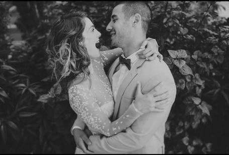 חתונה אורבנית חתן וכלה מאושרים