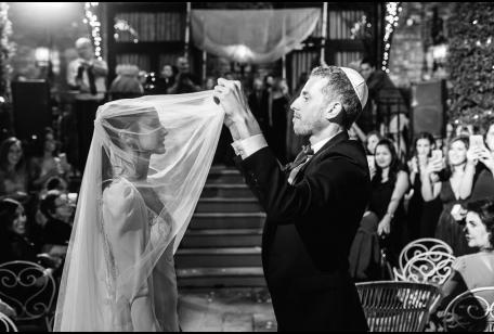 כניסה לחופה חתונה בתל אביב