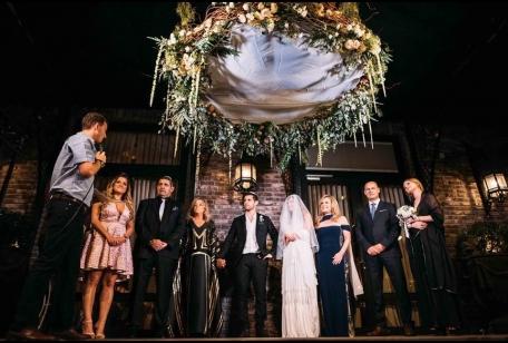 משפחה בחופה חתונה אורבנית